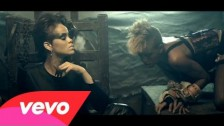 Rihanna 'Disturbia' music video